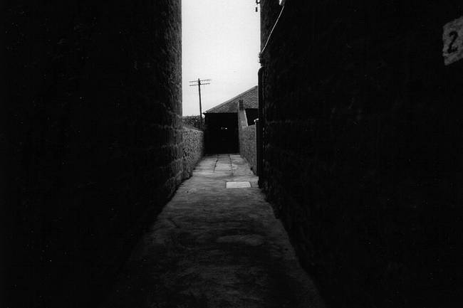 Aberdeen alley, Scotland b/w