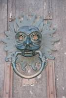 Now that's a door knocker