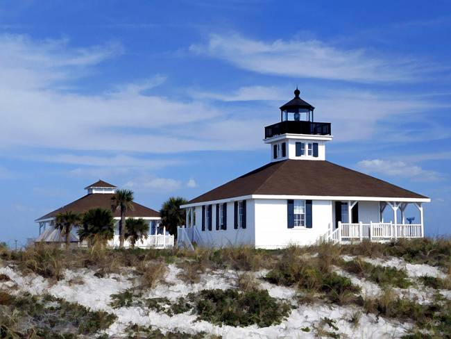 Old Port Boca Grande Light