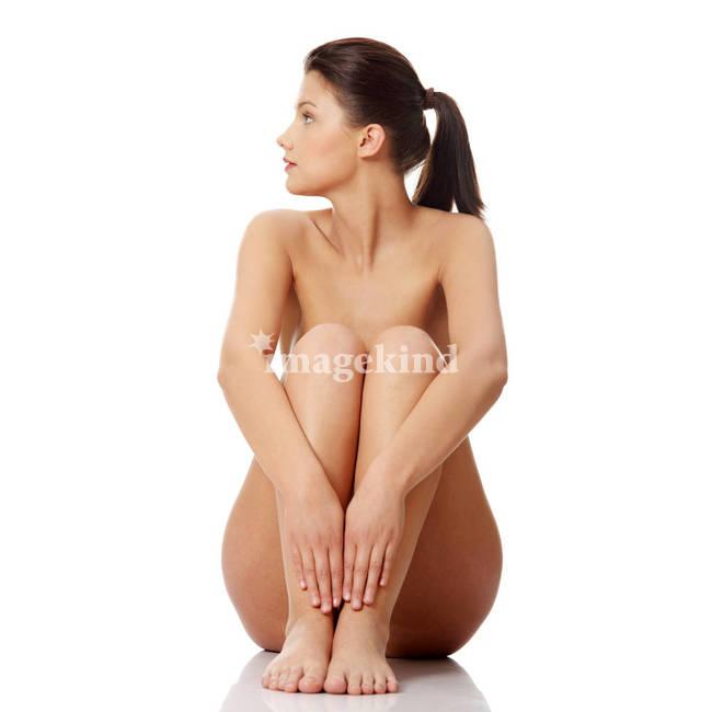 Mature women masturbating in the bathtub