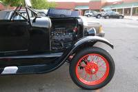 1926 MODEL T FORD ENGINE 2
