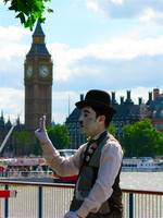 Charlie Chaplin Revisiting London