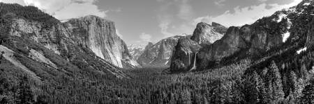 Tunnel View Pan BW
