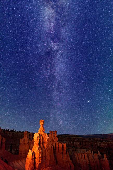 Milky Way stars over Thor's Hammer - Bryce Canyon