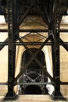 Prince Edward Viaduct, Underside and Support Strut