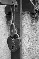 Old Heart Lock bw