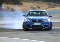 BMW M5 2013 sideways