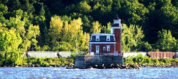 Athen Hudson Lighthouse