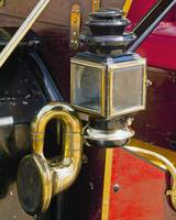 1913 Ford light and horn
