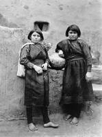 Zuni girls, New Mexico