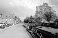 Boats at Fradley Junction (30547-RDW)