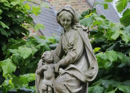 Bruges Statue