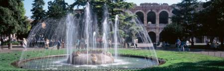 Fountain in Piazza Bra w/ Roman amphitheater Veron