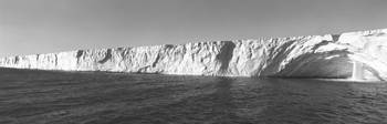 Ice shelf at the coast