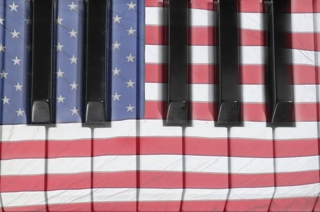 Patriotic Piano keyboard Octave