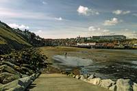 Tate Hill Sands from the Slipway, Whitby (36172)