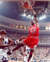 Michael Jordan dunks with left hand