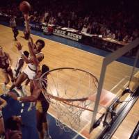 """Kareem Abdul Jabbar sky hook vs Wilt Chamberlain"" by RetroImagesArchive"