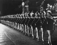 Rockettes brighten up Manhattan streets