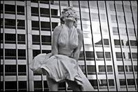 Marilyn Monroe sculpture