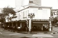 Avenue Singapore in the Morning - Urban BW