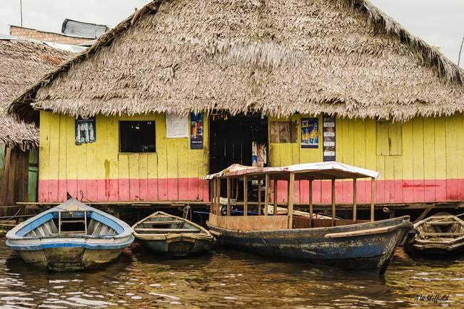 Floating Bar in Shantytown
