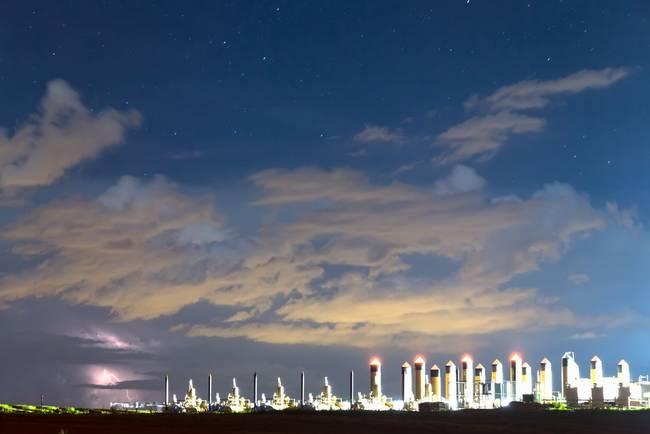 Fracking Lightning Storm