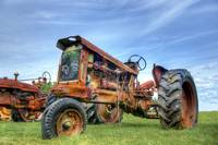 737 Antique Rusty Tractor