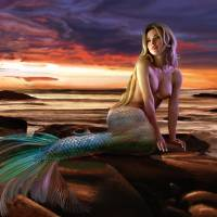 Sunset Mermaid by Ran Valerhon