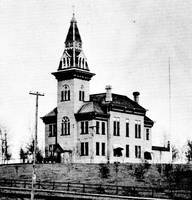 Old courthouse before it moved to Robert Street