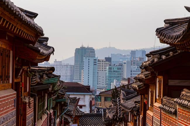 Bukchon Hanok Village Contrast