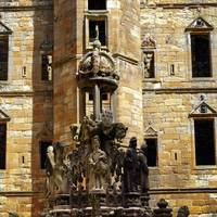 Linlithgow Palace Courtyard Fountain