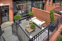 1700_Clarendon_patio_2_L