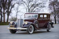 1933 Pierce-Arrow 1236 Sedan