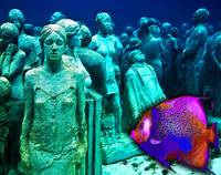 Sculpture Underwater With Bright Fish Painting Mus