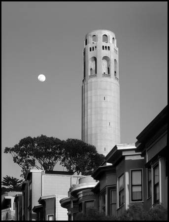 sf_coit_tower_moon.P-bw