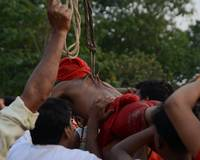 Man held himself on hook - Charak Festival West Be