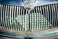 MG 1600 chrome grill detail