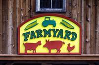farmyard-sign-baltimore-zoo-8060060