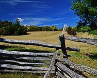 fenced-field-harpers-ferry-8672