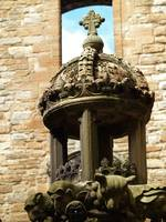 Linlithgow Palace courtyard fountain 215