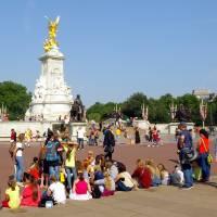 London Memorial 402 by Richard Thomas