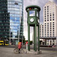 Reconstructed First Traffic Light In Berlin