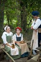 Tudor women chatting