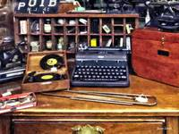 Vintage Typewriter and Vinyls
