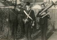 1910's photo   Deaf Rifleman Blunt Swordsman & Tub