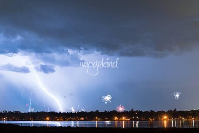 Lightning-Strike-Fireworks