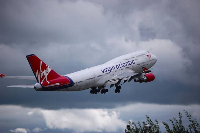 Virgin Atlantic 747 leaving Manchester Airport