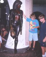 megan_and_kevin_at_selena_statue_june_98_corpus_ch