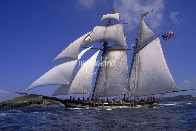 Pride of Baltimore ll Sails French Coast